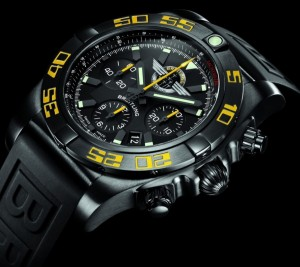 Breitling-Chronomat-44-Blacksteel-for-Jet-Team-American-Tour-angleview-Perpetuelle-900x800